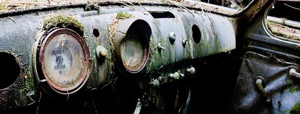 chatillon-car-graveyard-abandoned-cars-cemetery-belgium-9