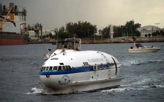 Plane_Boat_Cosmic_Muffin_1
