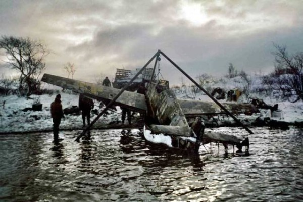 bf-109-wreck-russia-lake