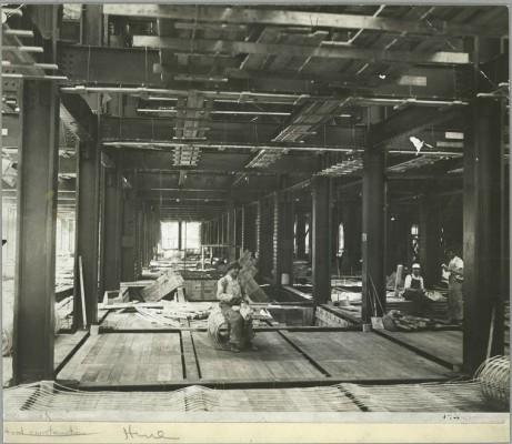 vintage-empire-state-building-costruzione-foto-di-Lewis-Wickes-hine-1931-1915