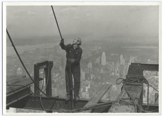 vintage-empire-state-building-costruzione-foto-di-Lewis-Wickes-hine-1931-3