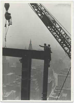 vintage-empire-state-building-costruzione-foto-di-Lewis-Wickes-hine-1931-4