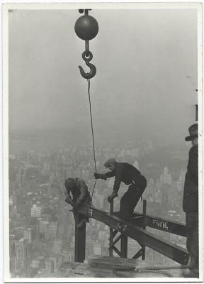 vintage-empire-state-building-costruzione-foto-di-Lewis-Wickes-hine-1931-6