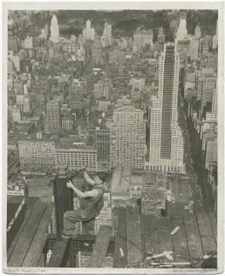 vintage-empire-state-building-costruzione-foto-di-Lewis-Wickes-hine-1931-9