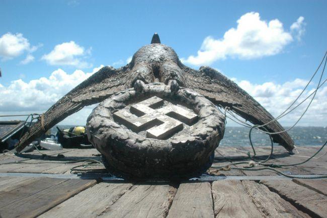 2014-10-15-nazi-eagle-shipwreck
