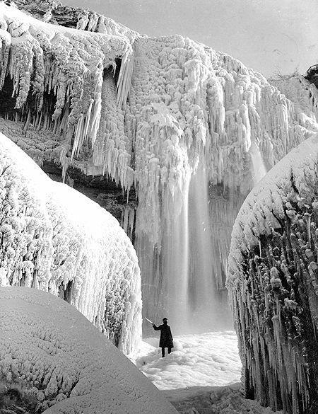Cave of the Winds in Winter, Niagara Falls, ca. 1900s