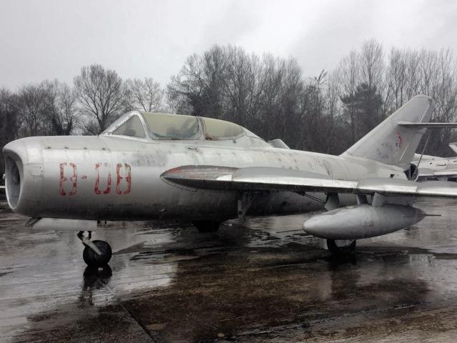 640x480 Albania planes 1 by BIRN