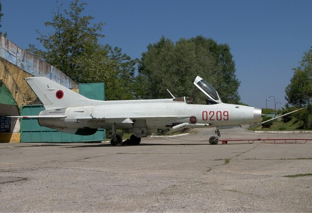 Albanian_Air_Force_Chengdu_F-7A_Lofting-1