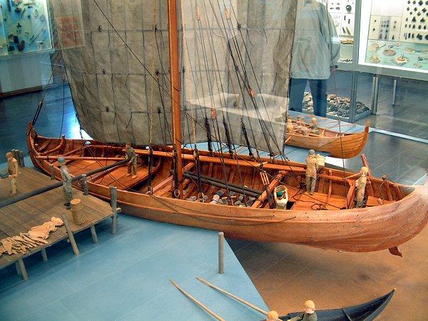 A model of the knarr ship type.