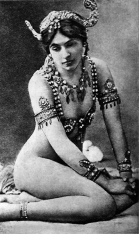 Mata-Hari_Paris_1910