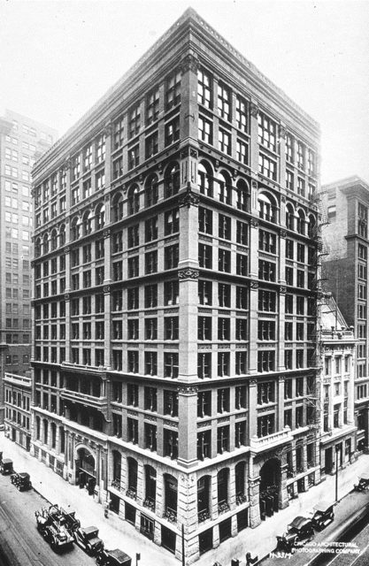 Exterior del Home Insurance Building del arquitecto William Le Baron Jenney en Chicago, Illinois.