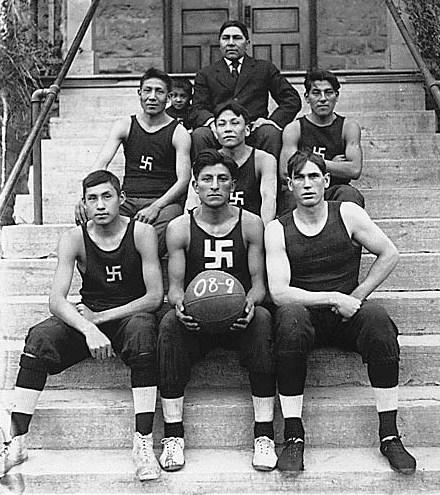 Native_American_basketball_team_ Photo Credit