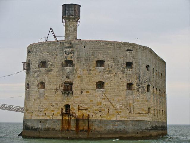 Fort Boyard's face, Author: Jebulon, CC BY-SA 3.0