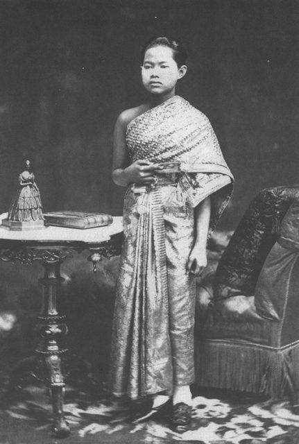 Kisah Kematian Tragis Ratu Thailand Gara-gara Aturan Kerajaan - 3