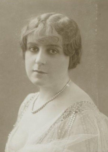 Foto potret Berthe Antonine Mayne (Madame de Villiers)