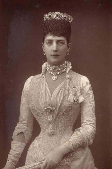 Queen Alexandra S Missing Dress Found In An Attic