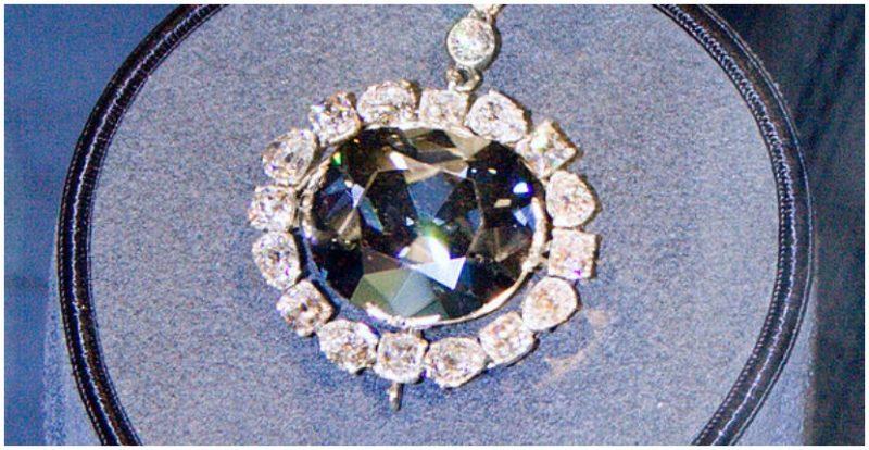 The Hope Diamond. Photo by David Bjorgen CC BY-SA 3.0