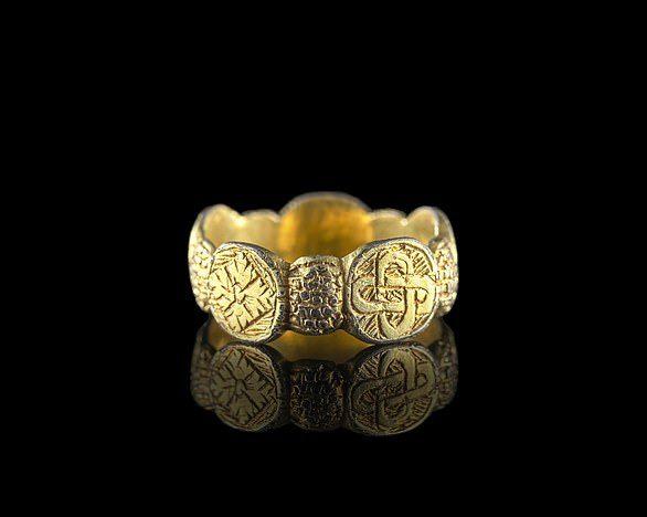 A late medieval silver-gilt finger ring found in Tregynon Community, Powys. Image credit – Amgueddfa Cymru National Museum Wales.