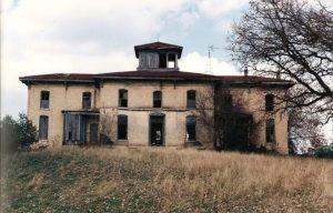 The Foote Mansion in disrepair, circa 1992.