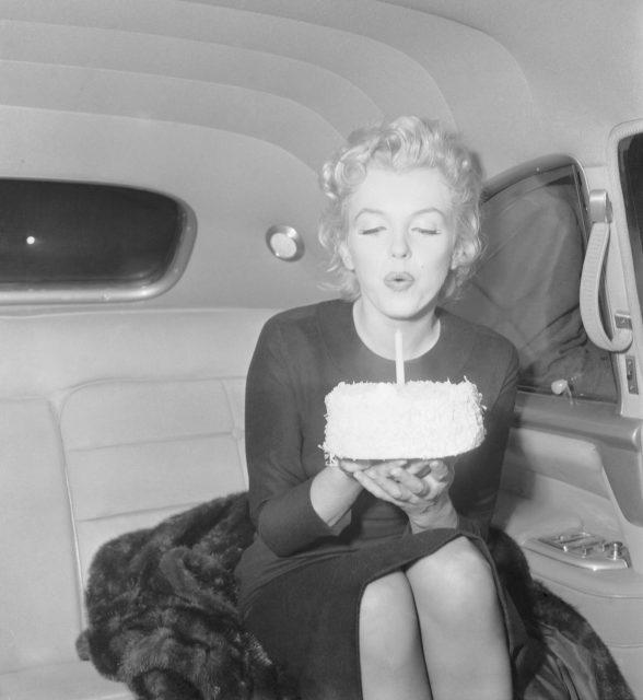 Marilyn Monroe celebrating her 30th birthday