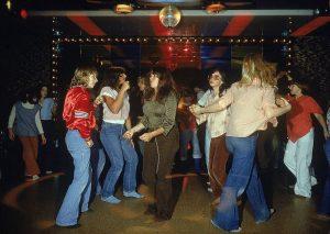 Girls dancing at a disco