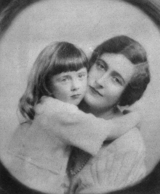 Rosalind holding onto Agatha Christie's neck