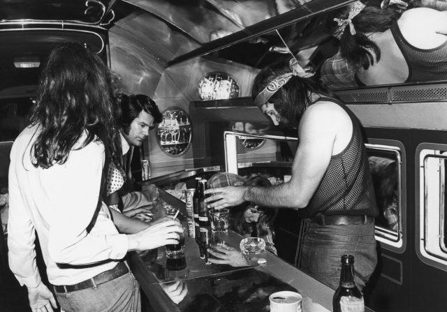 Bar onboard the Starship